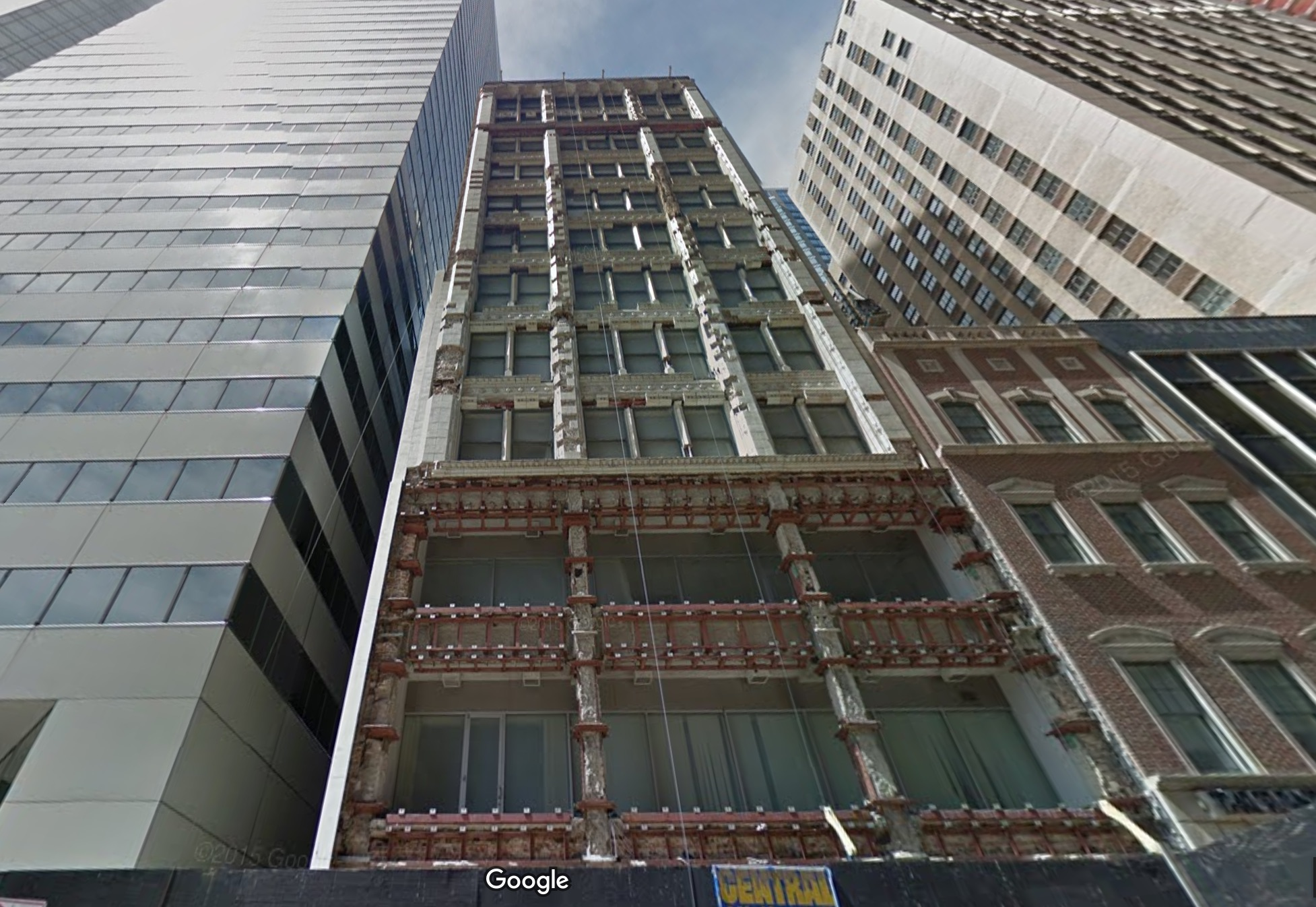 Oxford capital to convert derelect 168 north michigan to a for Boutique hotels chicago michigan avenue