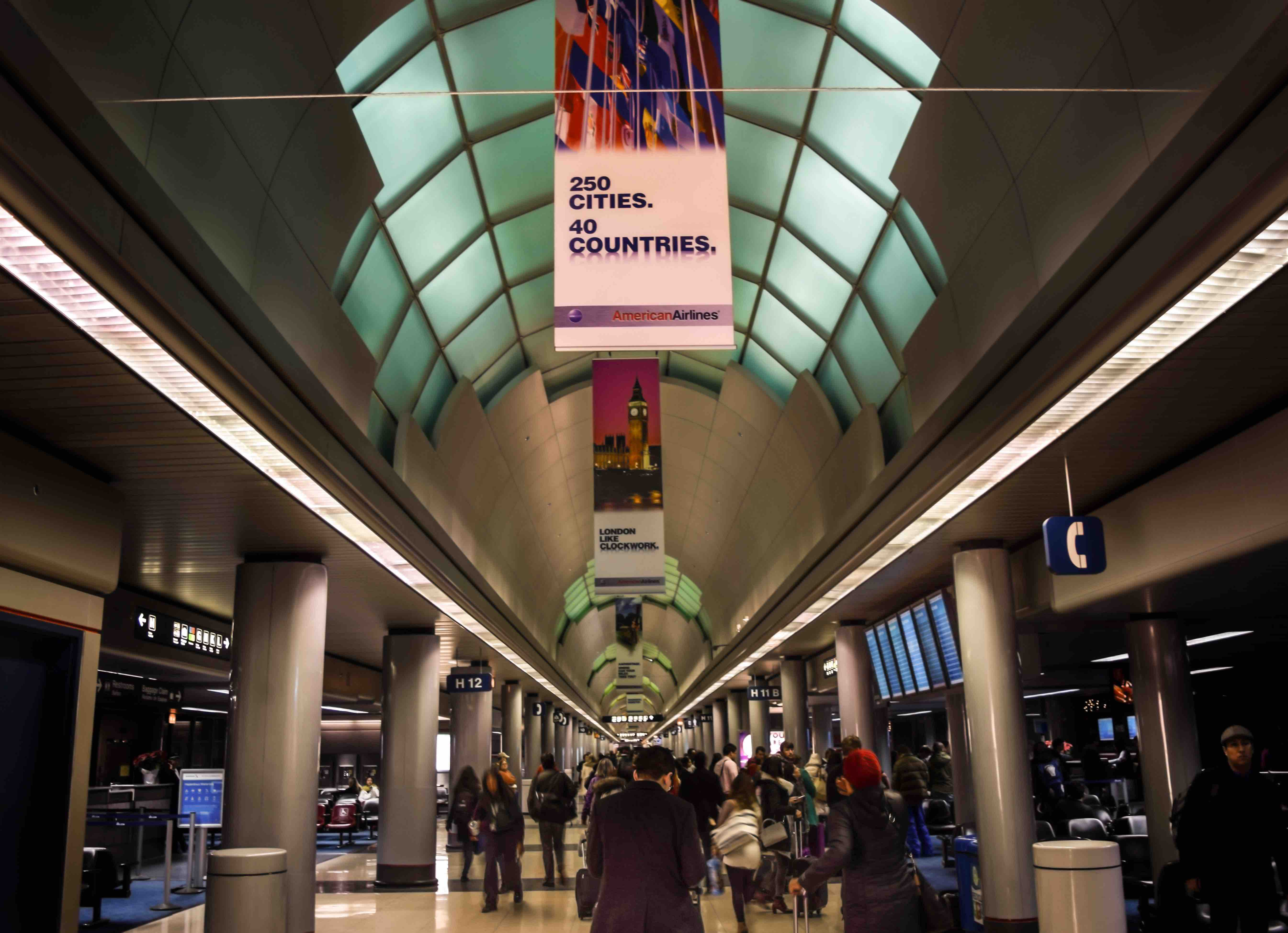 American Airlines Chicago Issues 70 Million Building