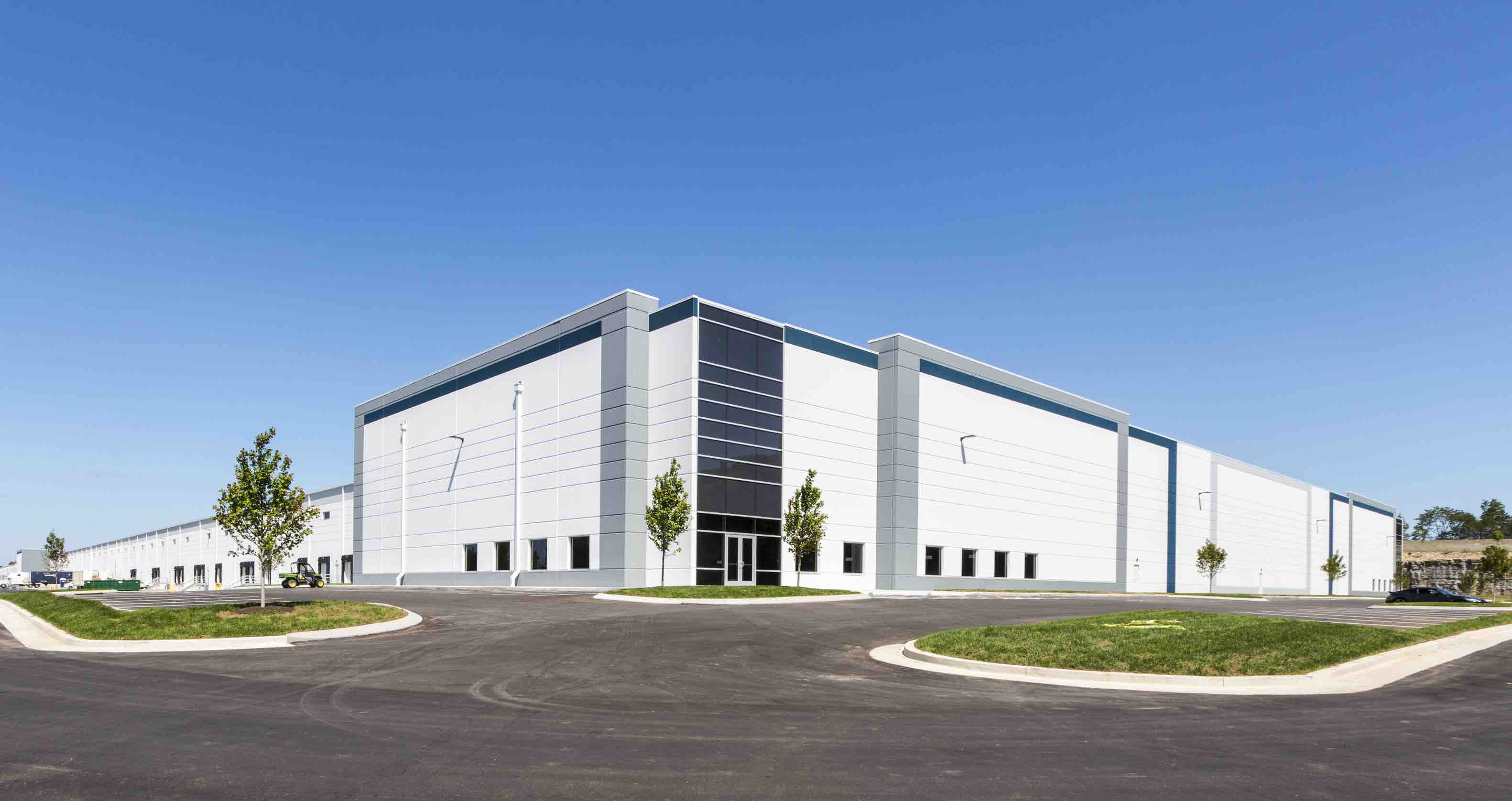 Itasca Based Premier Design Build Group Llc Completes Construction Of Massive Warehouse In